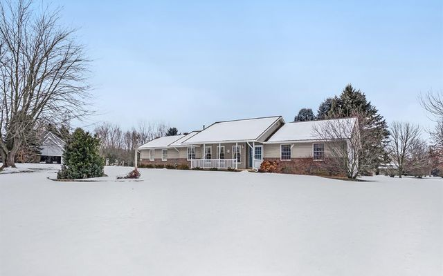 6211 Hayrake Hollow Chelsea, MI 48118