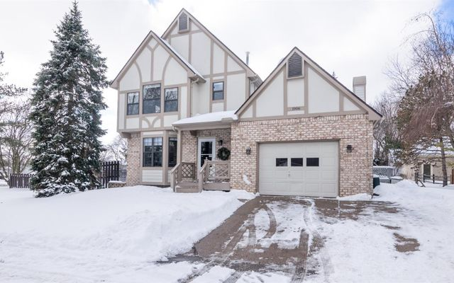 1906 Dogwood Court Ann Arbor, MI 48103