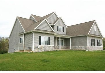 7211 N Lake Orchard Drive Gregory, MI 48137 - Image