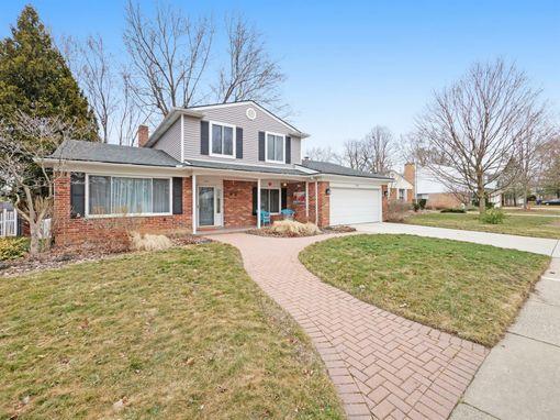 2921 Pebble Creek Road Ann Arbor, MI 48108