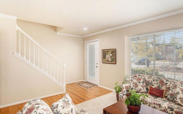 427 Sommerset Court - photo 2