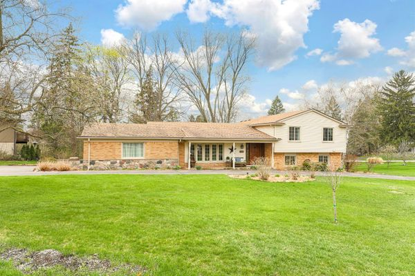 3712 Thornbrier Way Bloomfield Hills, MI 48302