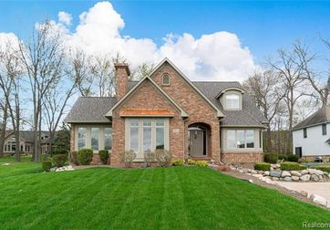 1074 THOMPSON SHORE Drive Howell, Mi 48843 - Image 1