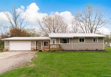 4401 GRAND BLANC Road Swartz Creek, Mi 48473 - Image 1