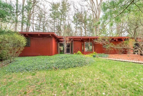 375 Rock Creek Court Ann Arbor, MI 48104