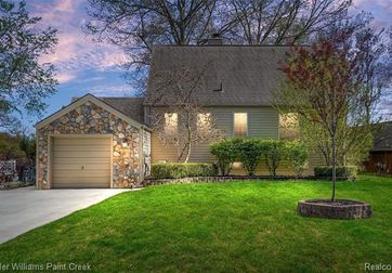 3725 LAKEWOOD Drive Waterford, Mi 48329 - Image 1