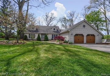 12800 LAKE POINT PASS Van Buren Twp, Mi 48111 - Image 1