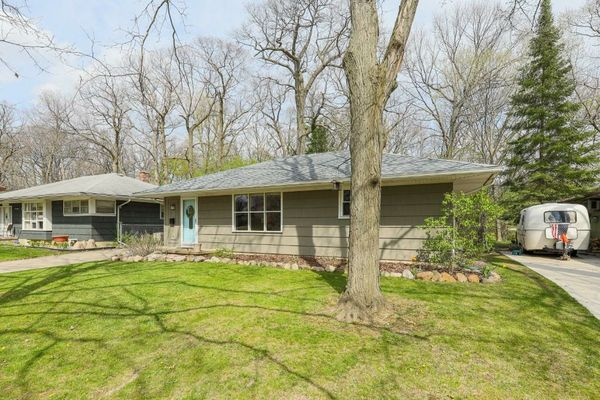 814 Carbeck Drive - photo 2