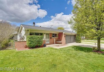 39731 PARKLAWN Drive Sterling Heights, Mi 48313 - Image 1