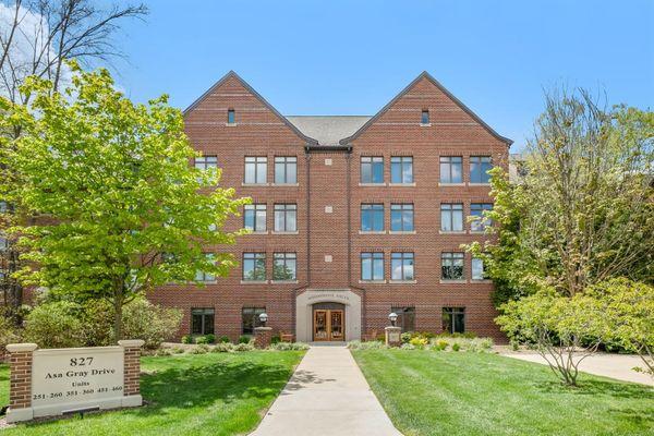 827 Asa Gray Drive #252 Ann Arbor, MI 48105