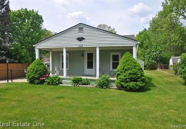 3090 EASTWOOD Drive Rochester Hills, Mi 48309 - Image 1