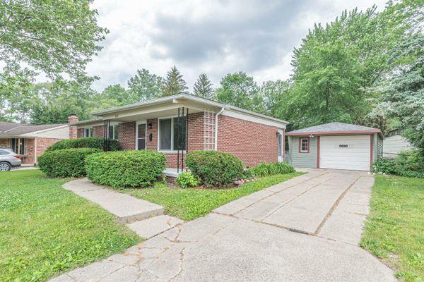2616 Lookout Circle Ann Arbor, MI 48104