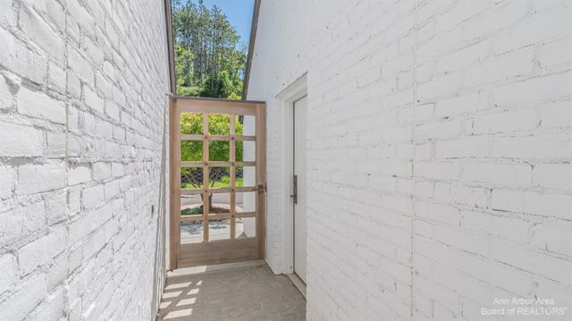 1051 Young Place - photo 2