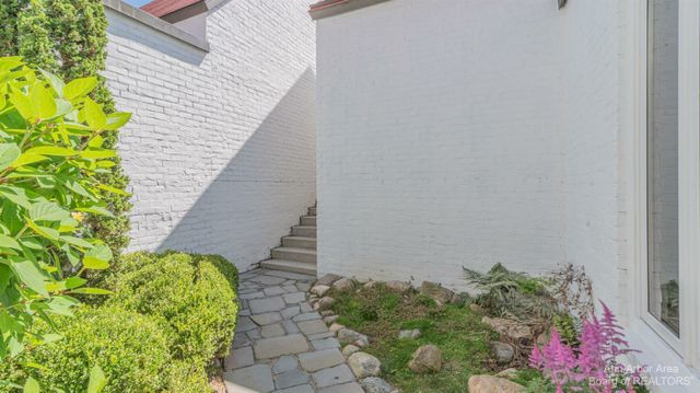 1051 Young Place - photo 3