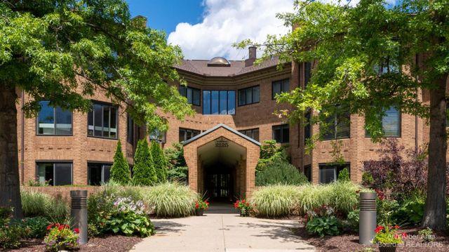 2125 Nature Cove Court #106 Ann Arbor, MI 48104