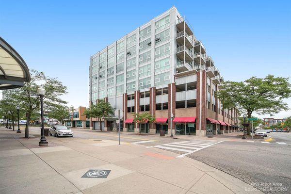100 W 5th Street #802 Royal Oak, MI 48067