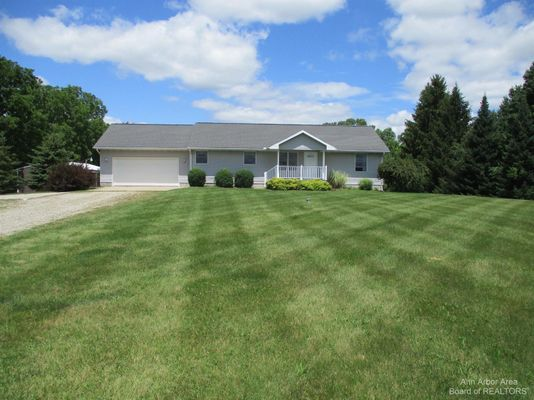 13470 Curtis Road - photo 1