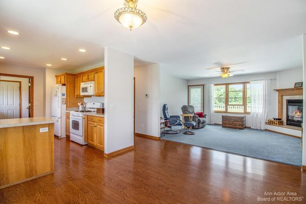13470 Curtis Road - photo 3