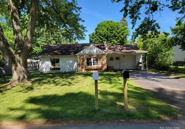 805 Bryant Avenue Jackson, MI 49202 - Image 1