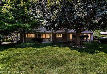 1731 OAKSTONE Drive Rochester Hills, Mi 48309 - Image 1