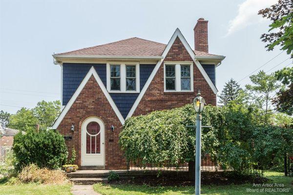 223 Kenwood Avenue Ann Arbor, MI 48103