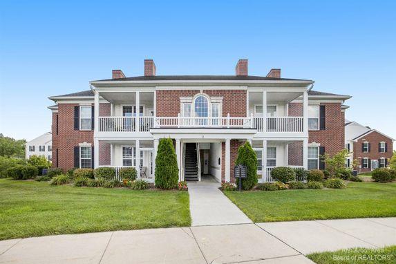 1008 W Summerfield Glen Circle Ann Arbor, MI 48103