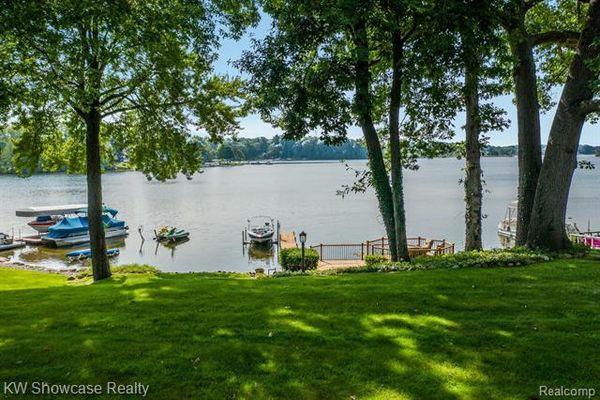1276 Long Lake Court - photo 3