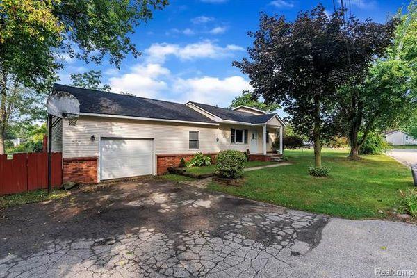 1236 Applewood Drive - photo 1