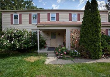 6045 SHILLINGHAM Drive West Bloomfield, Mi 48322 - Image 1