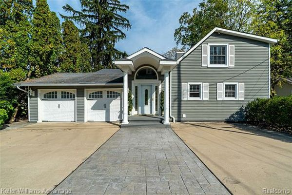 4967 COSHOCTON Drive Waterford, Mi 48327