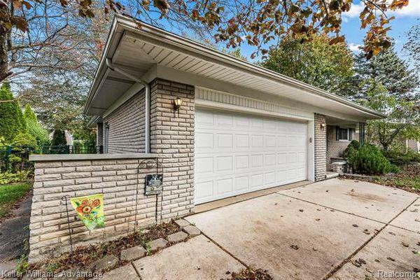 38740 Roycroft Street - photo 2