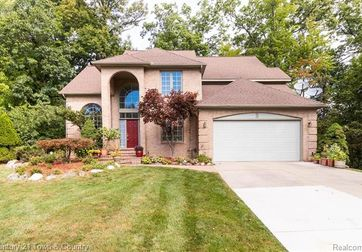 2064 Christopher Court West Bloomfield, Mi 48324 - Image 1